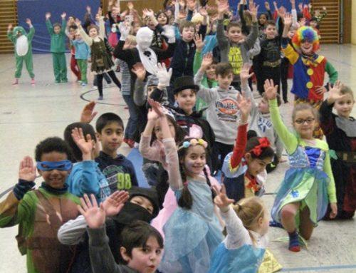 HELAU !!! Filme – Tanzen – Modenschau – Würstchen Fasching 2015 in der Goetheschule
