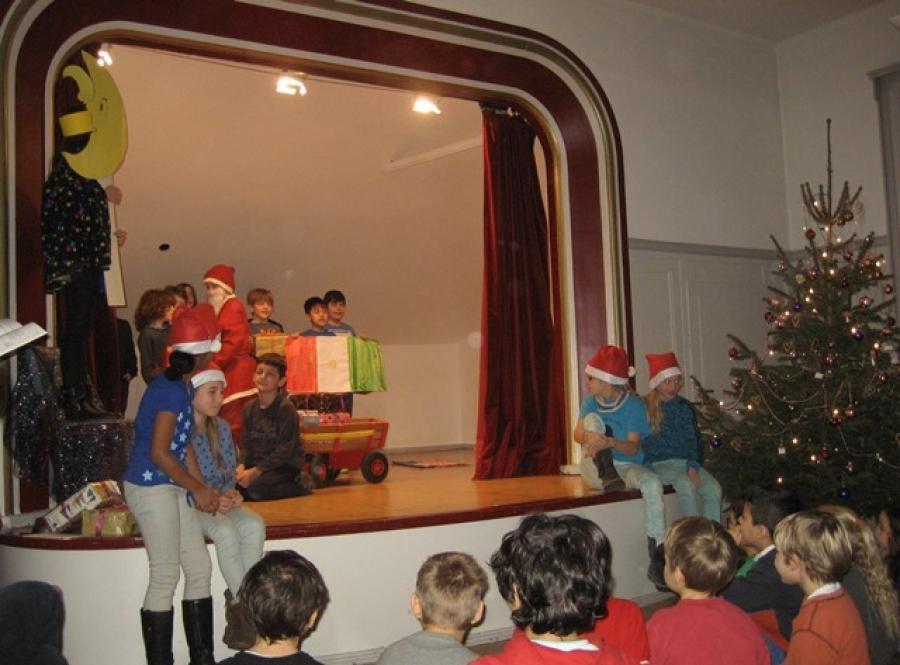 Der zerstreute Weihnachtsmann - ein Theaterstück der Klasse 4z