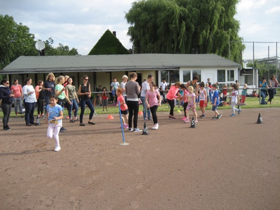 Unser Sponsorenlauf 2016 - Kinder laufen zusammen tolle 273,7 km !!!