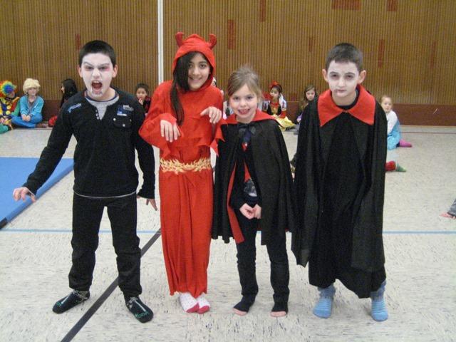 HELAU !!! Filme - Tanzen - Modenschau - Würstchen Fasching 2015 in der Goetheschule