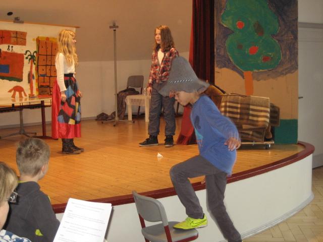 Theater-Nachmittag der vierten Klassen