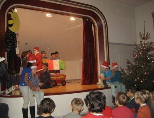 Der zerstreute Weihnachtsmann – ein Theaterstück der Klasse 4z