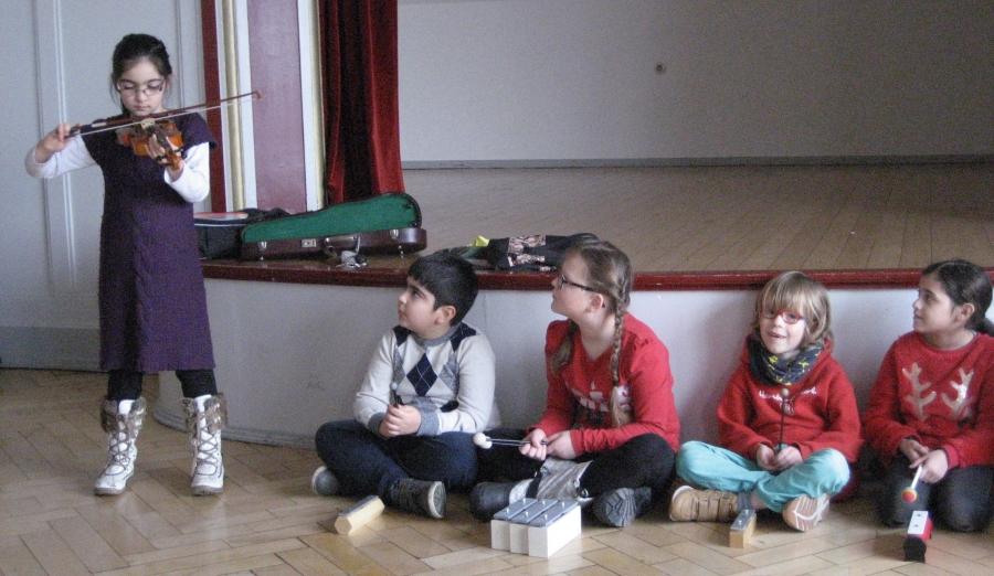 JeKI startet in der Klasse 2a in die 2. Runde - nun geht es an die Auswahl der Instrumente
